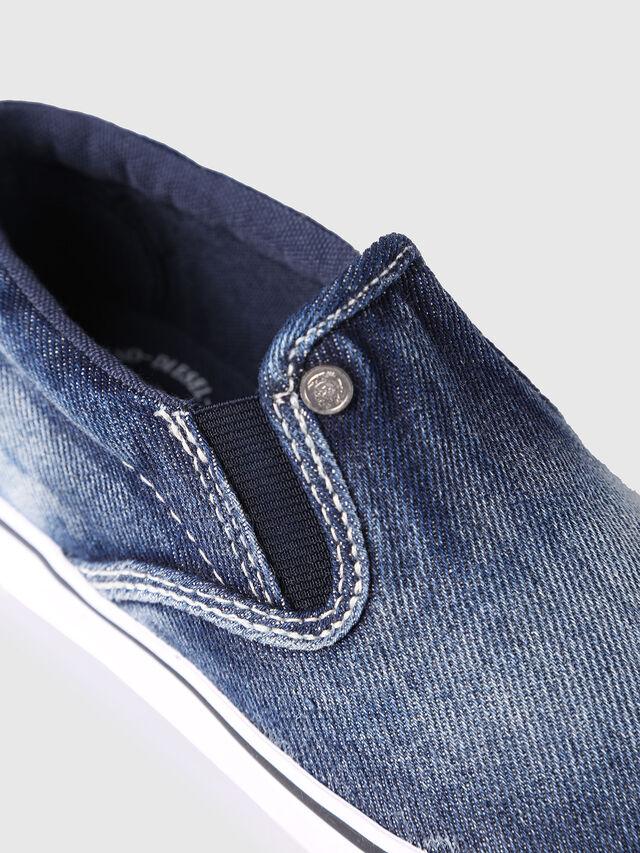 KIDS SLIP ON 21 DENIM CH, Blue Jeans - Footwear - Image 4