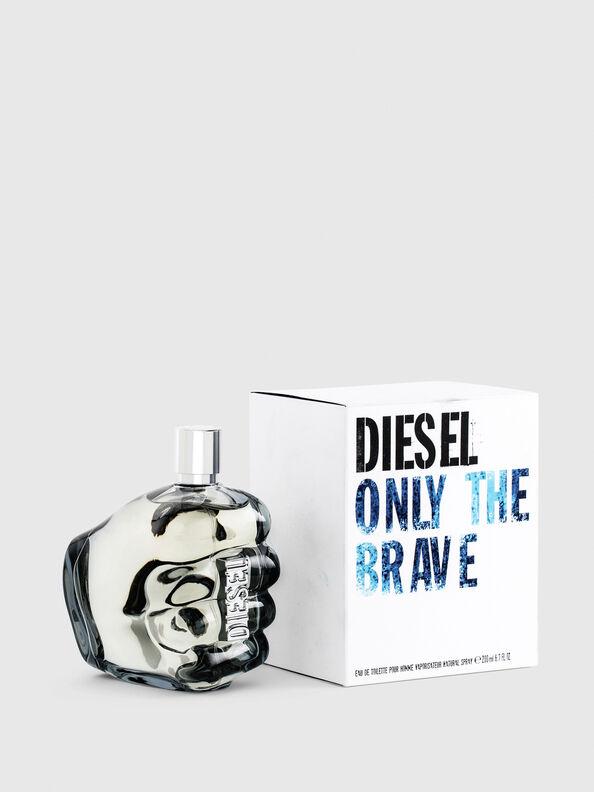https://dk.diesel.com/dw/image/v2/BBLG_PRD/on/demandware.static/-/Sites-diesel-master-catalog/default/dwa36491ac/images/large/PL0305_00PRO_01_O.jpg?sw=594&sh=792