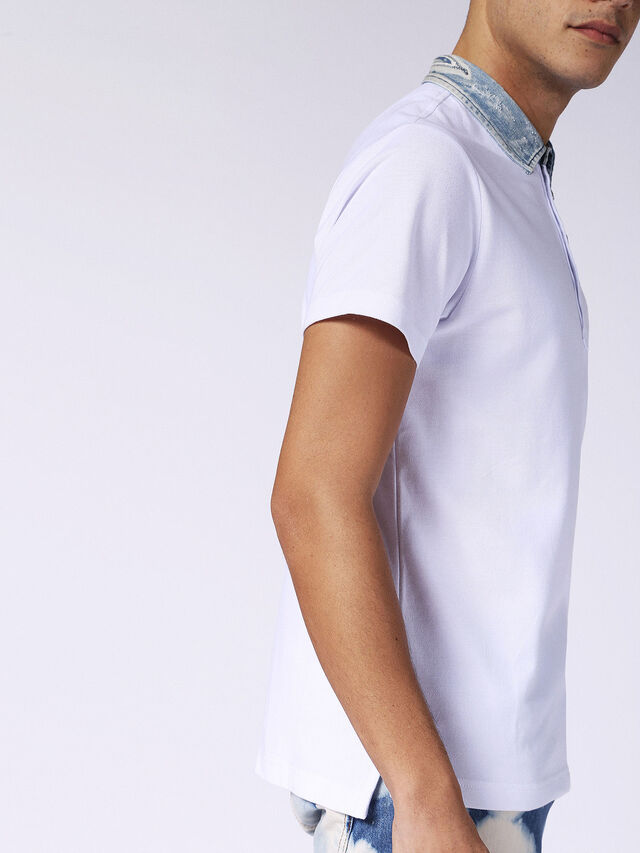 T-SAM, White