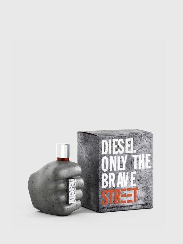 https://dk.diesel.com/dw/image/v2/BBLG_PRD/on/demandware.static/-/Sites-diesel-master-catalog/default/dwd6618be9/images/large/PL0458_00PRO_01_O.jpg?sw=594&sh=792