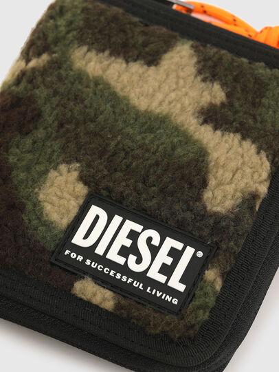 Diesel - PI-ZIP, Green Camouflage - Zip-Round Wallets - Image 4